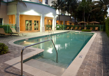 Courtyard Fort Lauderdale Airport & Cruise Port hotel slideshow image 3