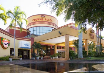 Crowne Plaza Fort Myers at Bell Tower Shops hotel slideshow image 0