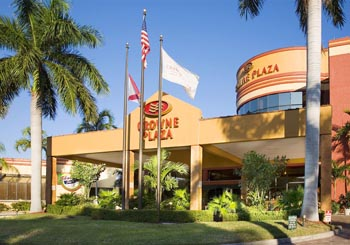 Crowne Plaza Fort Myers at Bell Tower Shops hotel slideshow image 2