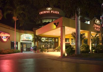 Crowne Plaza Fort Myers at Bell Tower Shops hotel slideshow image 1