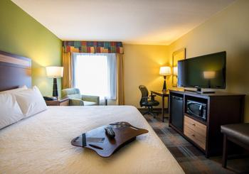 Hampton Inn & Suites Fort Myers Beach/ Sanibel Gateway hotel slideshow image 6