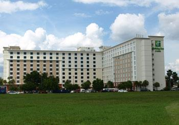 Holiday Inn & Suites Across from Universal Orlando hotel slideshow image 1