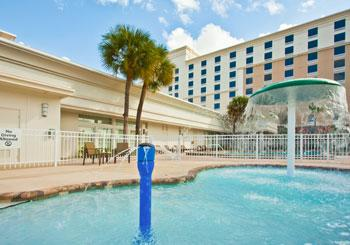 Holiday Inn & Suites Across from Universal Orlando hotel slideshow image 3