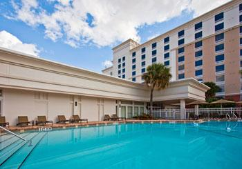 Holiday Inn & Suites Across from Universal Orlando hotel slideshow image 2