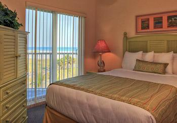 Sunset Vistas Beachfront Suites hotel slideshow image 6