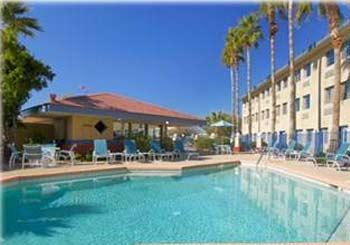Days Hotel Mesa Country Club hotel slideshow image 2